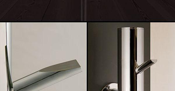 Radiateur porte serviette arbre chauffant pos sur le sol for Radiateur porte serviette salle de bain