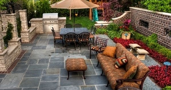 Outdoor patio backyard design ideas for small spaces on a for Outdoor living ideas on a budget