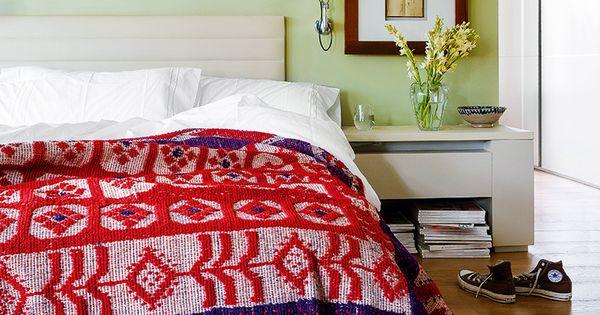 Una casa en madrid alfombras marroqu es el dormitorio y cabecero - Muebles marroquies en madrid ...
