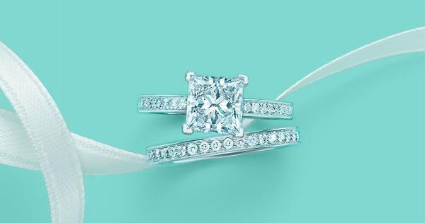ATTENTION LACIE: For future purposes this is my dream engagement ring &