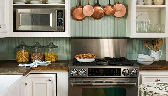 Cottage Kitchen Backsplash. Love this kitchen!! Color combo.