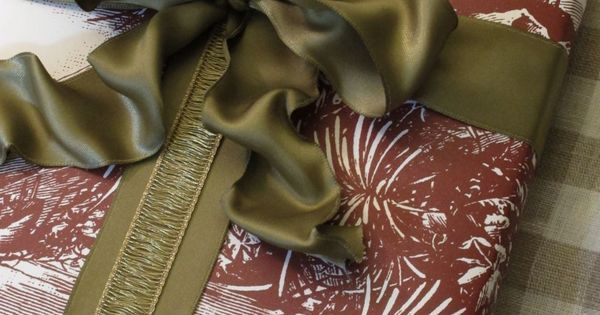 Rustic wrapping paper looks great with the addition of a fancy earthy-toned