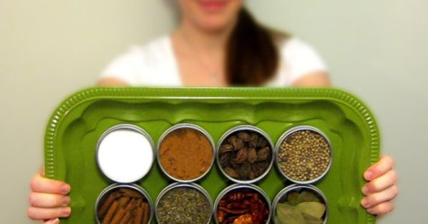 LOVE THE IDEA Magnetic Spice Rack
