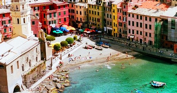 Vernazza, Cinque Terre, Italy. A must on my next Italia visit!
