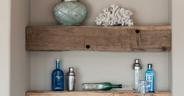 Rustikale holz balken gestalten ein regal in einer for Katalog wohnen und einrichten