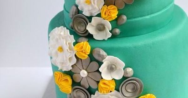 Teal and yellow cake! Best. Color. Combo. Ever.