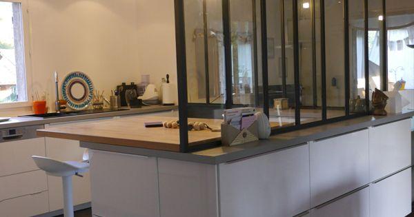plan de travail en h tre pour la partie repas la verri re repose sur des meubles qui s 39 ouvrent. Black Bedroom Furniture Sets. Home Design Ideas