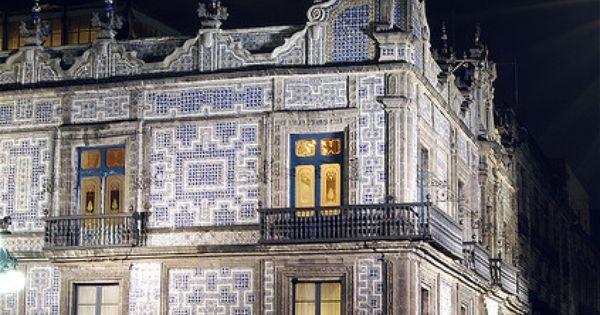 Casa de los azulejos mexico city count and restaurants for Casa de los azulejos mexico city