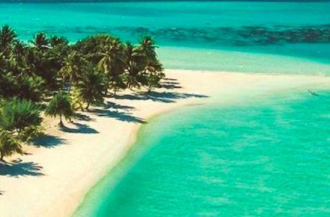 Beautiful Pearl Beach on Bora Bora in French Polynesia borabora beach beautiful