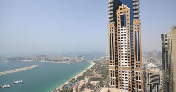 Dubai S Most Pricey Building And Its Second Tallest Structure After The Burj Khalifa The Princess T Courtesy Building World Famous Buildings Dubai Hotel