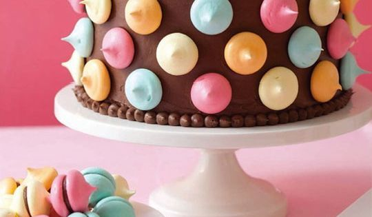 Polka Dot Cake - Smart Easy Decorated Cake Idea - Ladies' Home