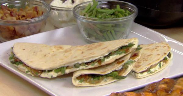ASPARAGUS, BACON AND GOAT CHEESE QUESADILLA | Food | Pinterest ...