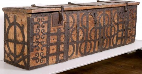 Coffre Xiie Siecle Musee De Noyon Decoraciones Medievales Baul De Madera Mobiliario Gotico
