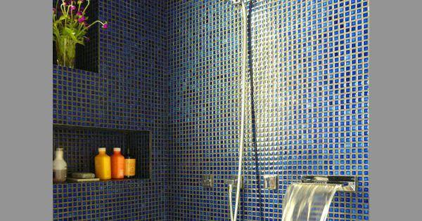 Mozaiek zwart velvet blauw bad en douche tegelijk studio garneau apartment transformer - Mozaiek blauwe bad ...