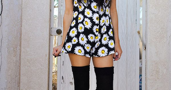 20 Style Tips On How To Wear Thigh-High Socks: Outfit Ideas |