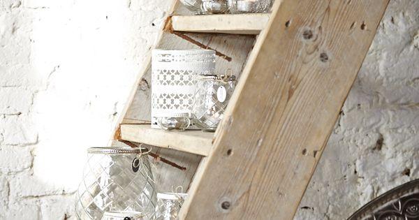Een oude houten trap kan goed gebruikt worden als decoratie in huis traprenovatie pinterest - Interieur houten trap ...