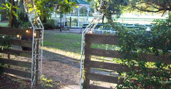 Heart shaped trellis/gateway - Let's Make a Garden! - Pinterest - Heart