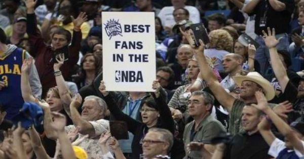 The 2013 2014 Nba Campaign Of The Sacramento Kings Might Not Be Rosy At The Moment But The Team Still Sacramento Kings Guinness Book Of World Records Best Fan