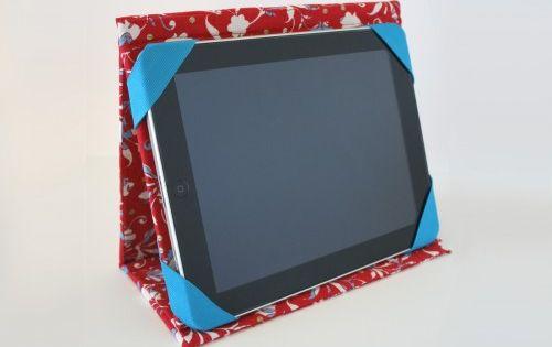 tuto pochette tablette accessoires pinterest patrons de couture tuis et motifs. Black Bedroom Furniture Sets. Home Design Ideas