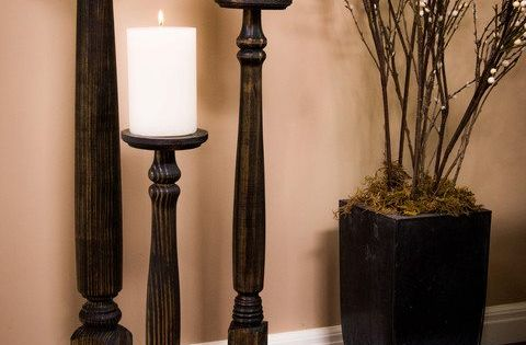Table Leg Candlesticks- totally going to re-use my dining room table legs