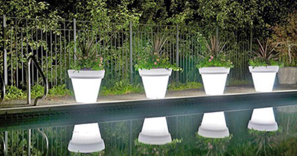 Cool Outdoor Garden Pots with Built-In Lighting – Llum By Vondom :