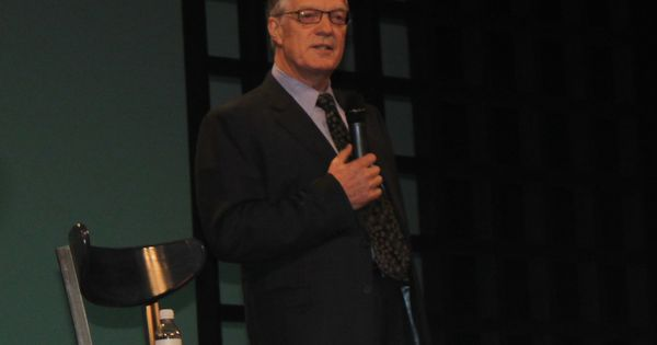 """ted talk ken robinson With his communicative competence, ken robinson helps us  an analysis of  the concept of communicative competence in the ted talk """"do."""
