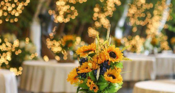 Sunflower centerpiece photo by lisa price