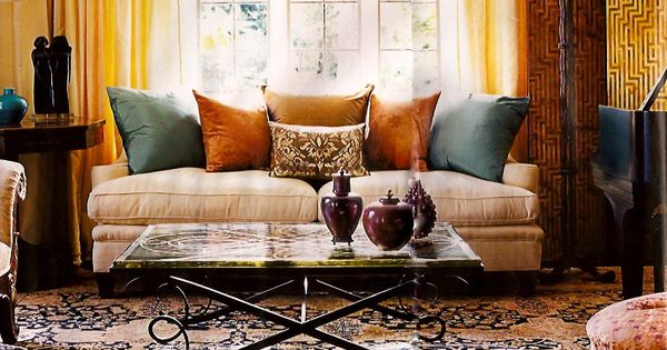 Living room persian rug shades of yellow orange for Warm inviting colors for living room