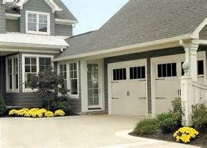 House With 3 Car Garage With Enclosed Breezeway Bing Images Carriage House House Inspiration House Exterior