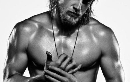 Charlie Hunnam, Sons of Anarchy. So sexy