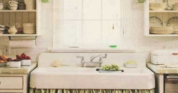 Skirted Sink Kitchen : Love skirted kitchen sinks. But what about keeping it clean ...