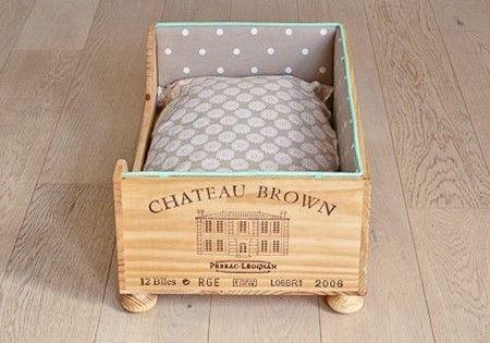 un panier pour chat en caisse vin avec des cagettes et caisses vin pinterest panier. Black Bedroom Furniture Sets. Home Design Ideas