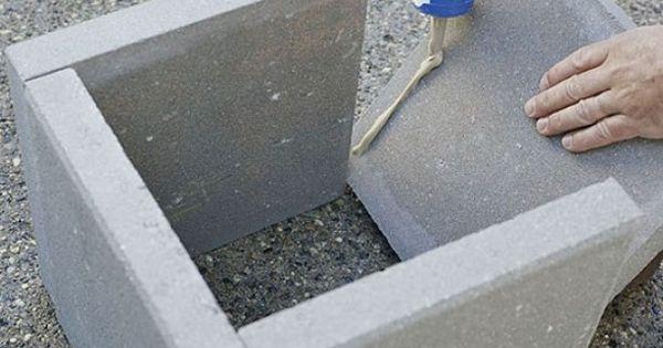 Plantenbak van stoeptegels aan elkaar lijmen met for Vijverfolie lijmen op beton