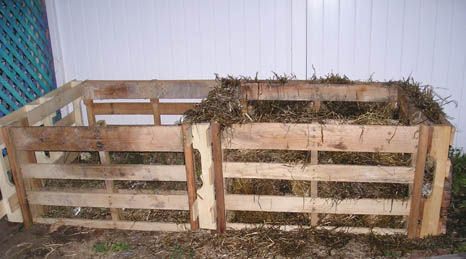 Grow 100 lbs of potatoes in 4 square feet using hay and for What to grow in a pallet garden