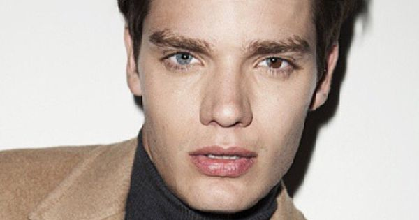 Dominic sherwood had the coolest eyes. One blue. One brown ...