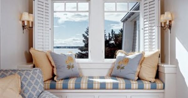Window seat with storage and that chaise lounge chair for Chaise longue window seat