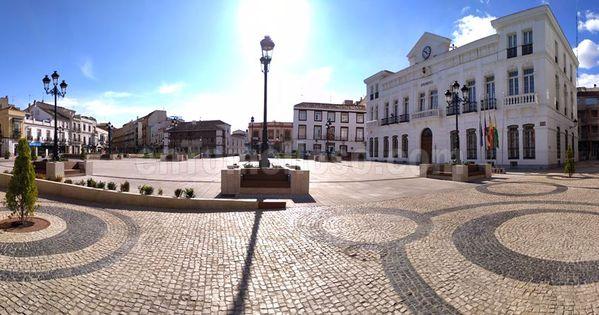 Plaza De España De Tomelloso Domingo Veintinueve De Marzo De 2020 España Quedarse En Casa Plaza