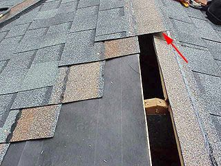 Shingles Near Top Of Roof Asphalt Roof Shingles Roof Repair Diy Roof Shingles