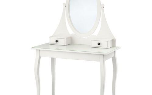 Hemnes toalettbord med spegel ikea det finns gott om plats for Mesillas estrechas ikea