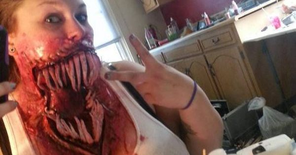 This is some bad ass special effects makeup here. I wish I