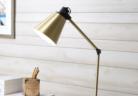 Better Homes Gardens Metal Desk Lamp With Usb Port White Walmart Com In 2020 Metal Desk Lamps Desk Lamp Gold Desk Lamps