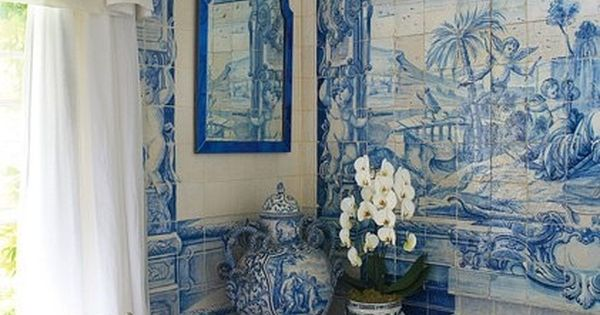 A lavish english country estate bathroom home design for Salle de bain english