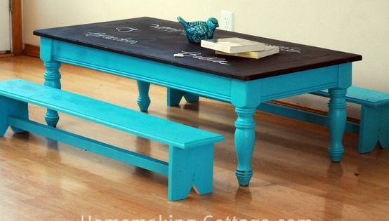 convert old coffee table to kids table with chalkboard paint top