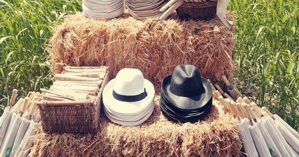 le stand chapeaux une bonne idee pour un mariage d 39 t mariage chapeaux bal. Black Bedroom Furniture Sets. Home Design Ideas