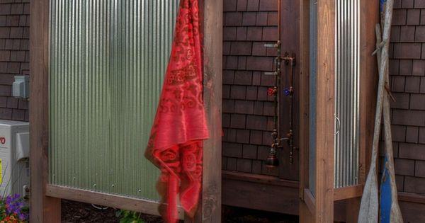begehbare duschkabine im garten selber bauen handtuch haken garden pinterest jungen pelz. Black Bedroom Furniture Sets. Home Design Ideas