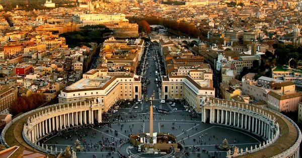Piazza San Pietro, Vaticano, Roma, Italia Saint Peter's Square, Vatican City, Rome