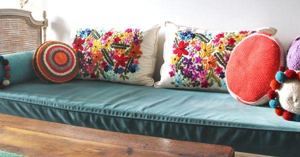 Tienda de costumbres de silvina lippai muebles y objetos for Origen de alfombra