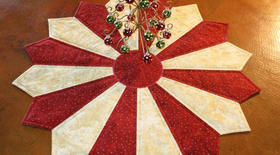 Quilted table topper quot holiday glow centerpiece