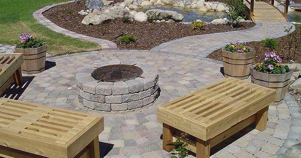 Paving stones roman euro roman landscaping and for Roman garden designs