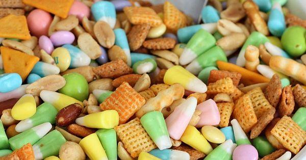 Sweet and Salty Spring Snack Mix (Easter candy corn, m&m's, cheddar chex